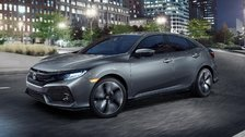 The sporty and practical 2017 Civic Hatchback is coming to Montreal, Quebec